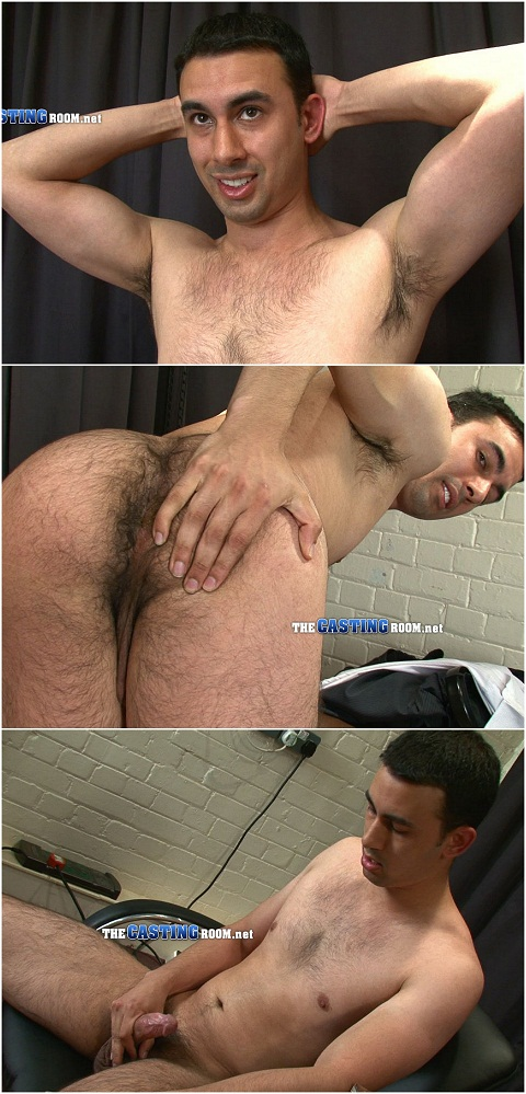 Straight Farley Jerks Off His Uncut Cock